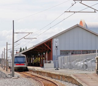 Fremantle commuters hit with train station parking fee