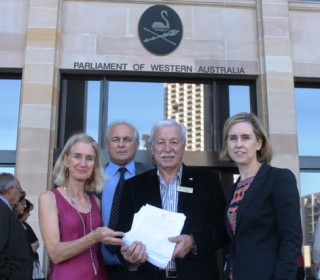 Barnett Government creates division by cutting Italian language program